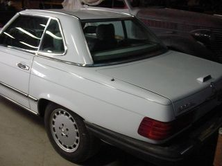 1989 Mercedes - Benz 560sl Base Convertible 2 - Door 5.  6l photo