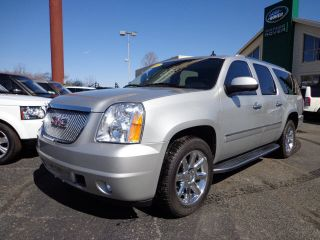 2010 Gmc Yukon Xl 1500 Denali Sport Utility 4 - Door 6.  2l Awd Quads Rear Dvd. . photo