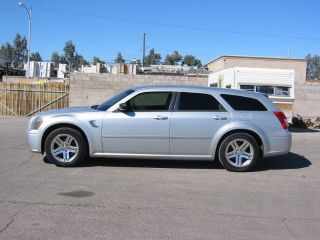 2007 Dodge Magnum Se photo