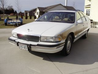 1995 Buick Roadmaster Estate Wagon photo