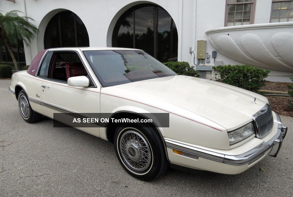 1989 Buick Riviera Luxury Coupe 2 - Door 3.  8l Riviera photo