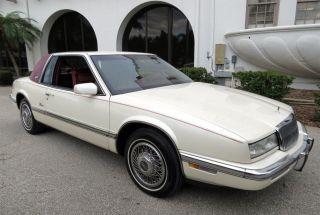 1989 Buick Riviera Luxury Coupe 2 - Door 3.  8l photo