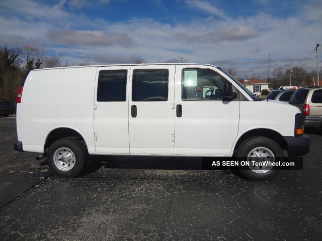 2008 chevrolet express 3500 cargo van 3 door 4 8l. Black Bedroom Furniture Sets. Home Design Ideas