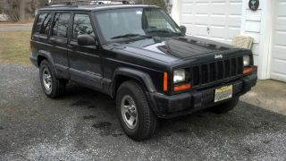 1999 Jeep Cherokee Sport - 4 - Door 6cyl / 4.  0l Engine photo