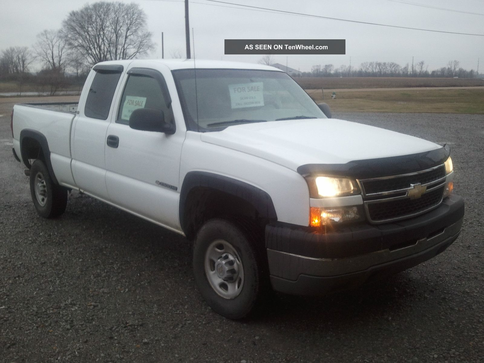 2005 Chevrolet 2500hd Exented Cab Pickup,  White,  6.  0 L V - 8 Silverado 2500 photo