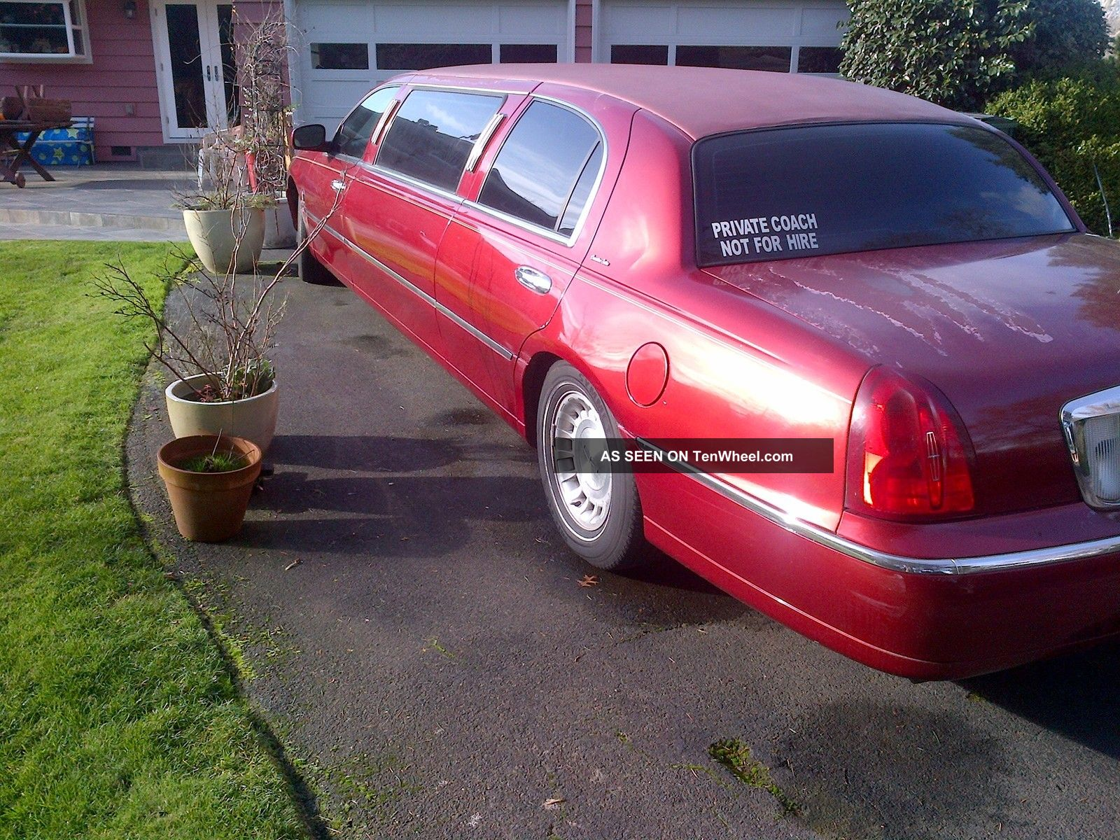 1999 Lincoln Towncar Limousine Limo 6 Pack Red Burgundy