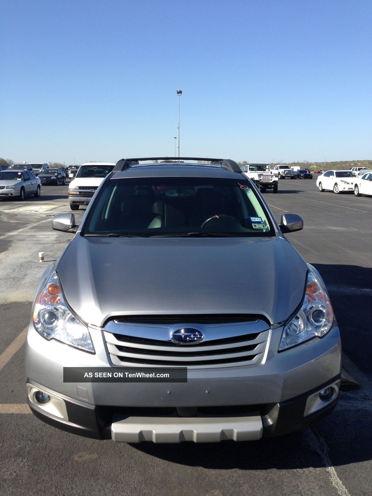 2011 Subaru Outback 2.  5i Limited Wagon 4 - Door 2.  5l Outback photo