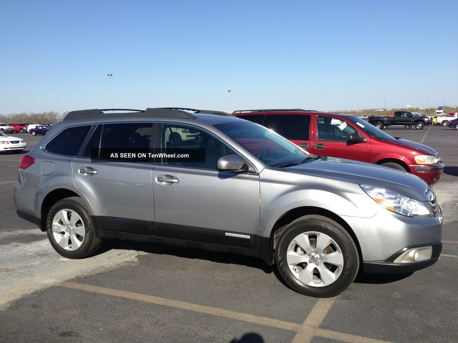 2011 subaru outback 2 5i limited wagon 4 door 2 5l. Black Bedroom Furniture Sets. Home Design Ideas
