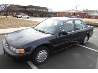 1992 Honda Accord Lx Sedan 4 - Door 2.  2l Only 70k Pristine Condition photo