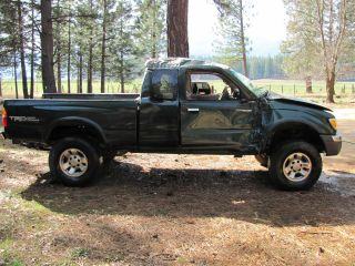 2000 Toyota Tacoma Sr5 Extended Cab Pickup 2 - Door 3.  4l V6 - Totaled photo