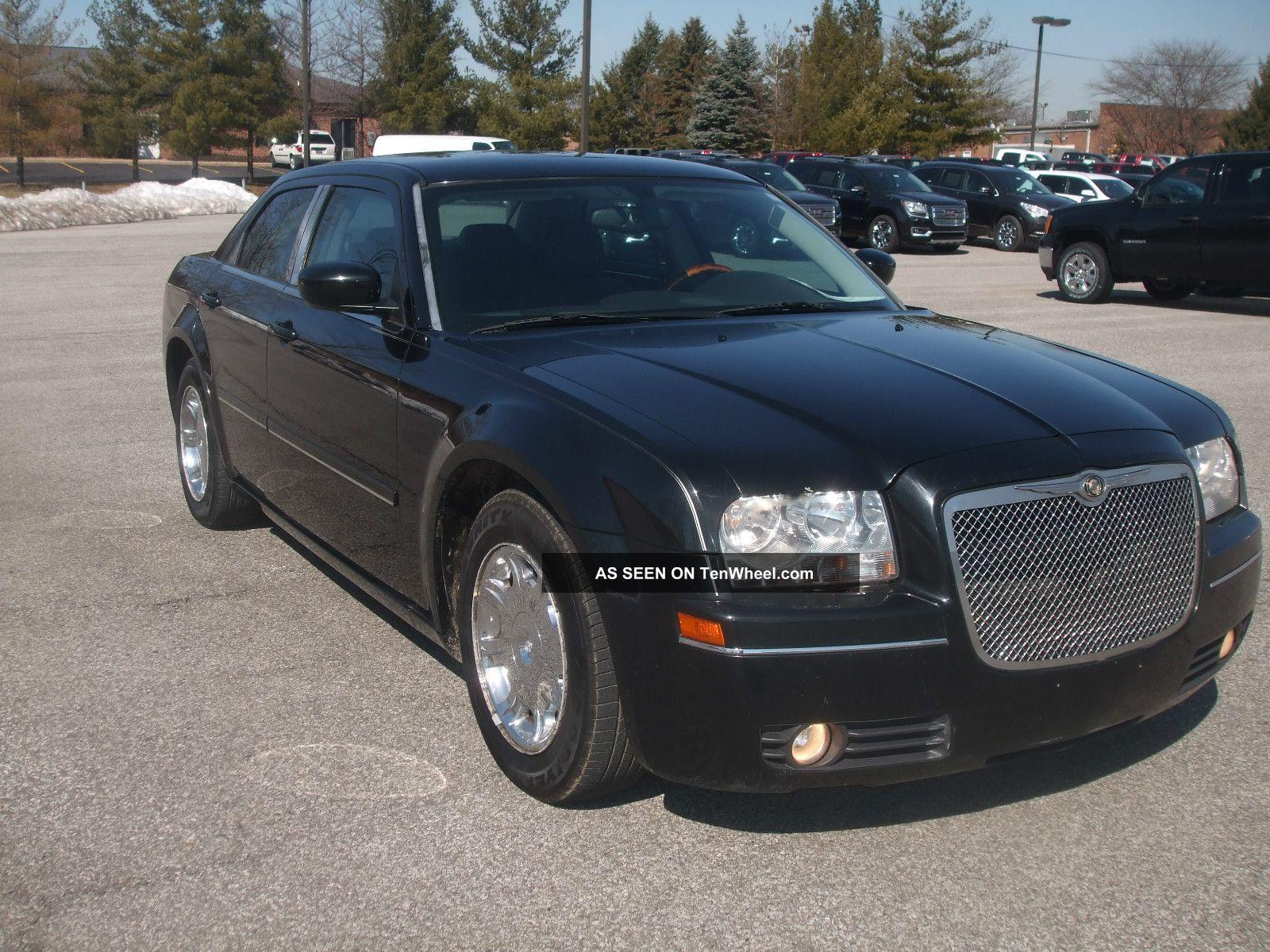 2005 chrysler 300 touring sedan 4 door 3 5l. Black Bedroom Furniture Sets. Home Design Ideas