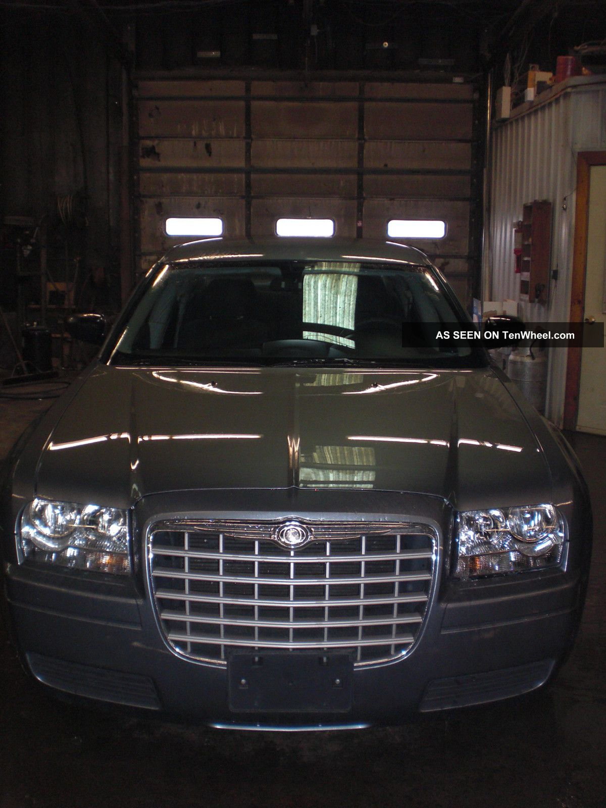 2006 Chrysler 300 With 2 7 Liter Motor And 4 Sd Automatic Transmission
