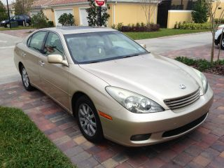 2004 Lexus Es 330 (beige With Towing Hitch) photo