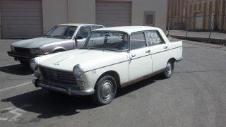 1961 Peugeot 404 Sedan photo