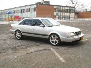 1995.  0 Audi S6 Urs6. photo