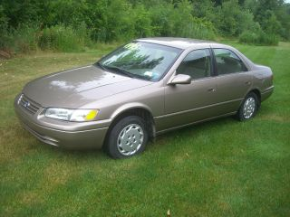 1999 Toyota Camry photo