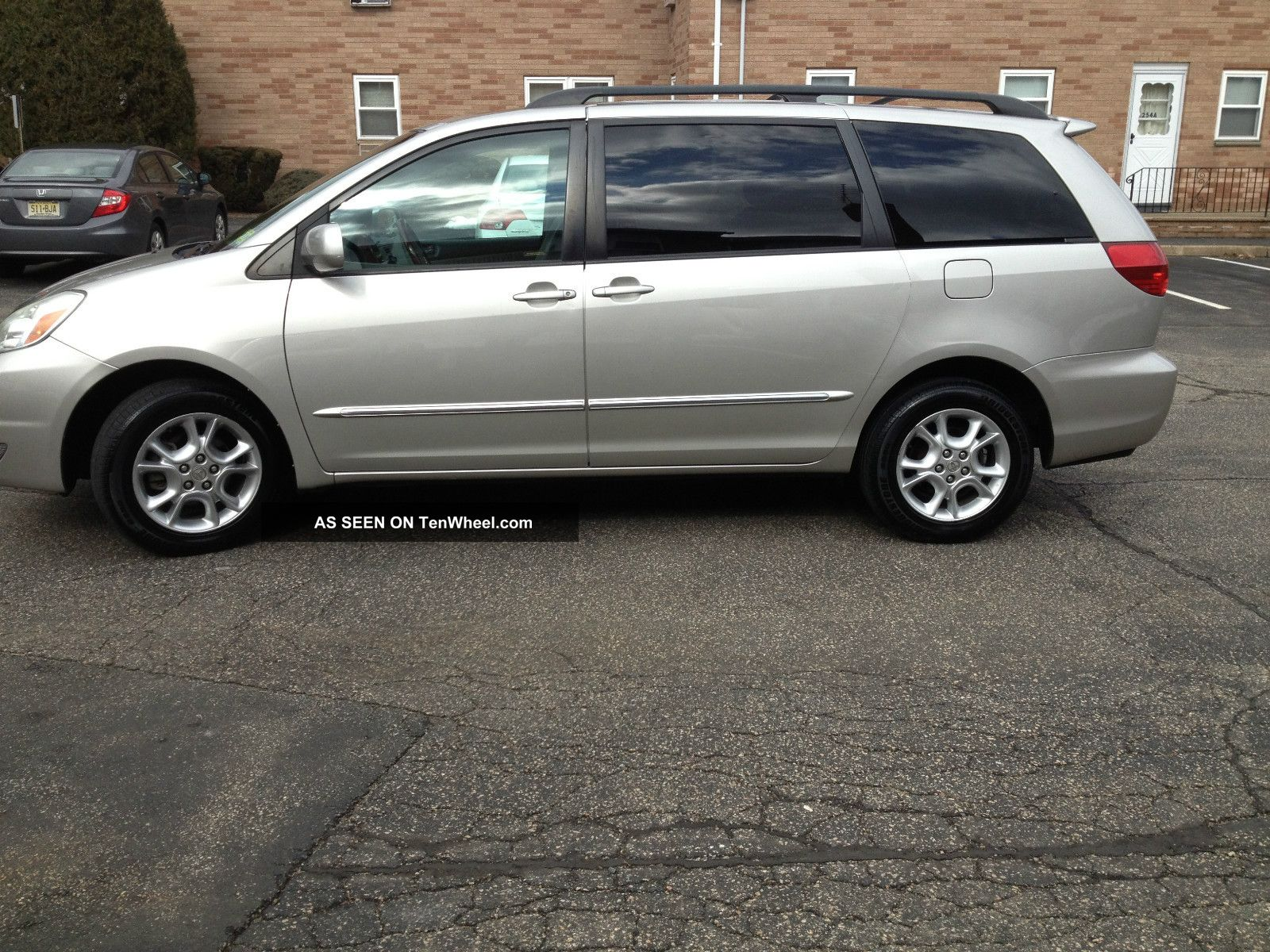 2004 toyota sienna xle limited awd. Black Bedroom Furniture Sets. Home Design Ideas