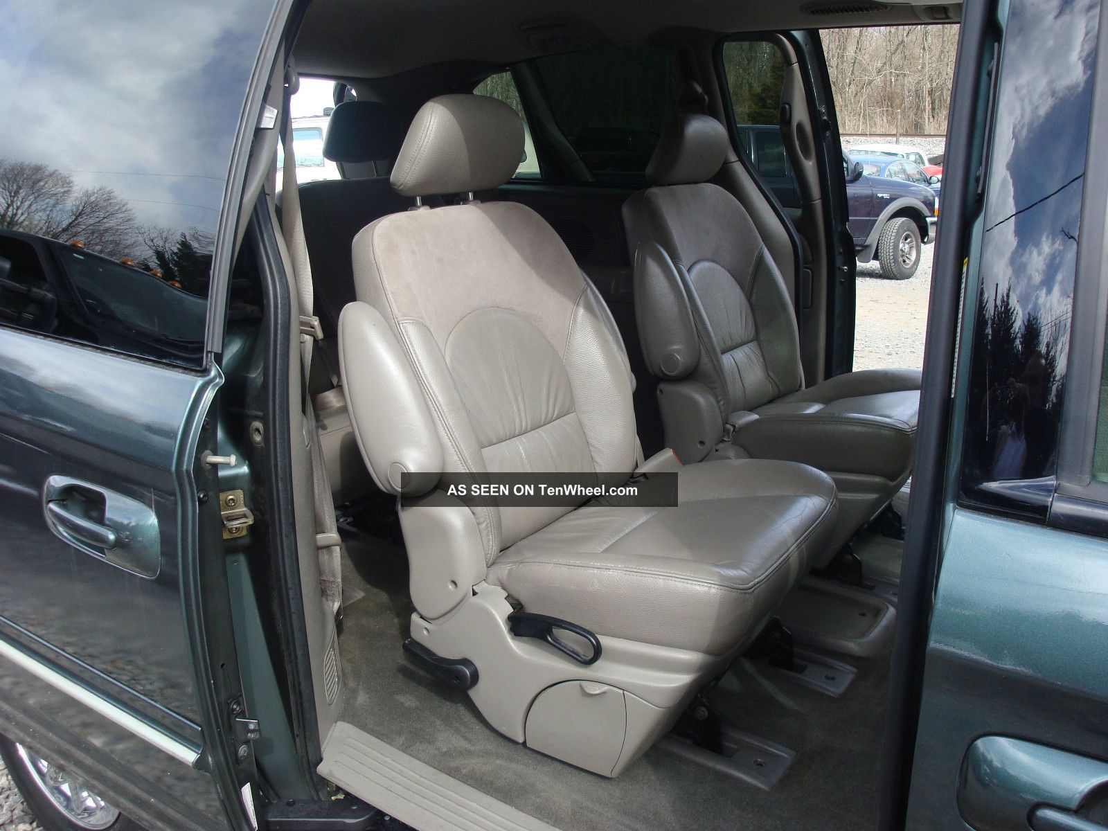 2003 Chrysler Town Amp Country Limited