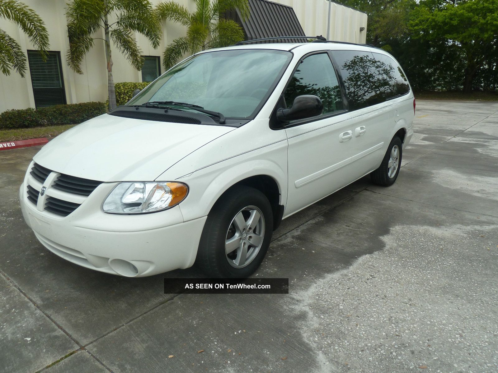 2005 dodge grand caravan sxt low millage dvd auctionfl car. Black Bedroom Furniture Sets. Home Design Ideas