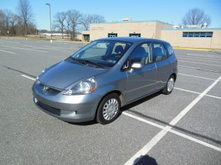 2007 Honda Fit Automatic 18 Kml Silver Car photo