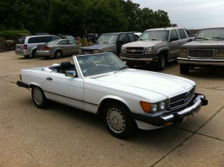1987 Mercedes - Benz 560 Sl Convertible White / Blue / Blue Interior photo