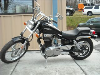 2006 Suzuki Boulevard S40 photo