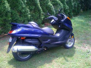 2005 Yamaha Majesty 400 photo