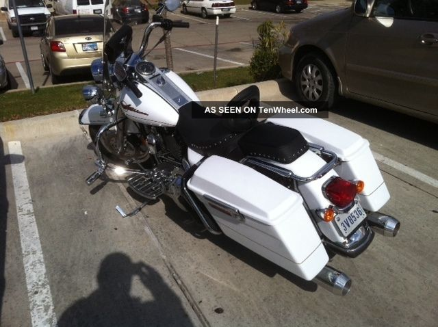 2007 Pearl White Harley Davidson Road King With Upgrades