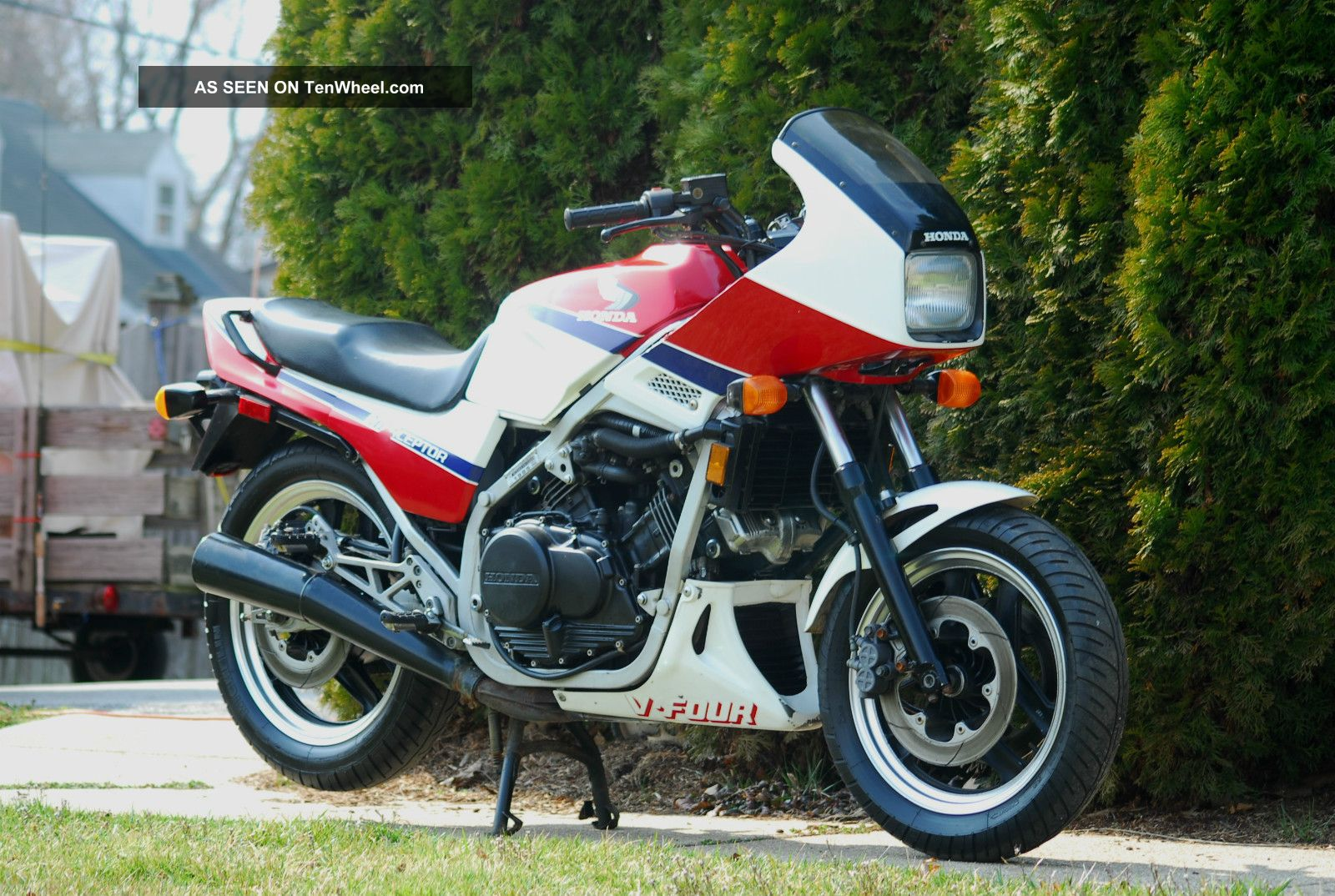 100468834 besides Repair And Service Manuals additionally 96611 as well Honda vf1100 20sabra 85 together with ViewVehicle. on 1985 honda magna 500 specs