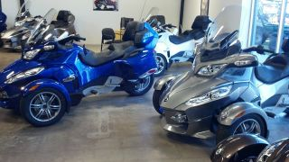 2012 Spyder Rts Se5 Semi Auto Can - Am Can Am Rt,  Mag,  Blue photo