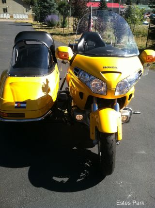 2001 Honda Goldwing 1800 / A Motorcycle With Champion Sidecar photo