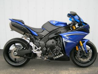 2009 Yamaha R1 photo