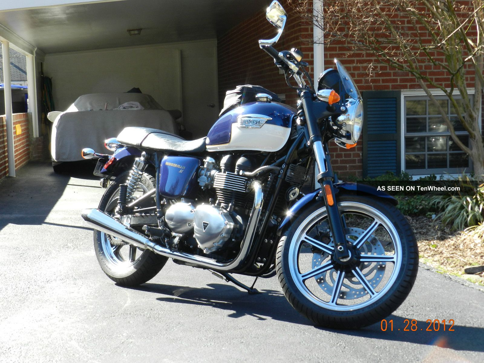 2011 Triumph Bonneville Se Bonneville photo