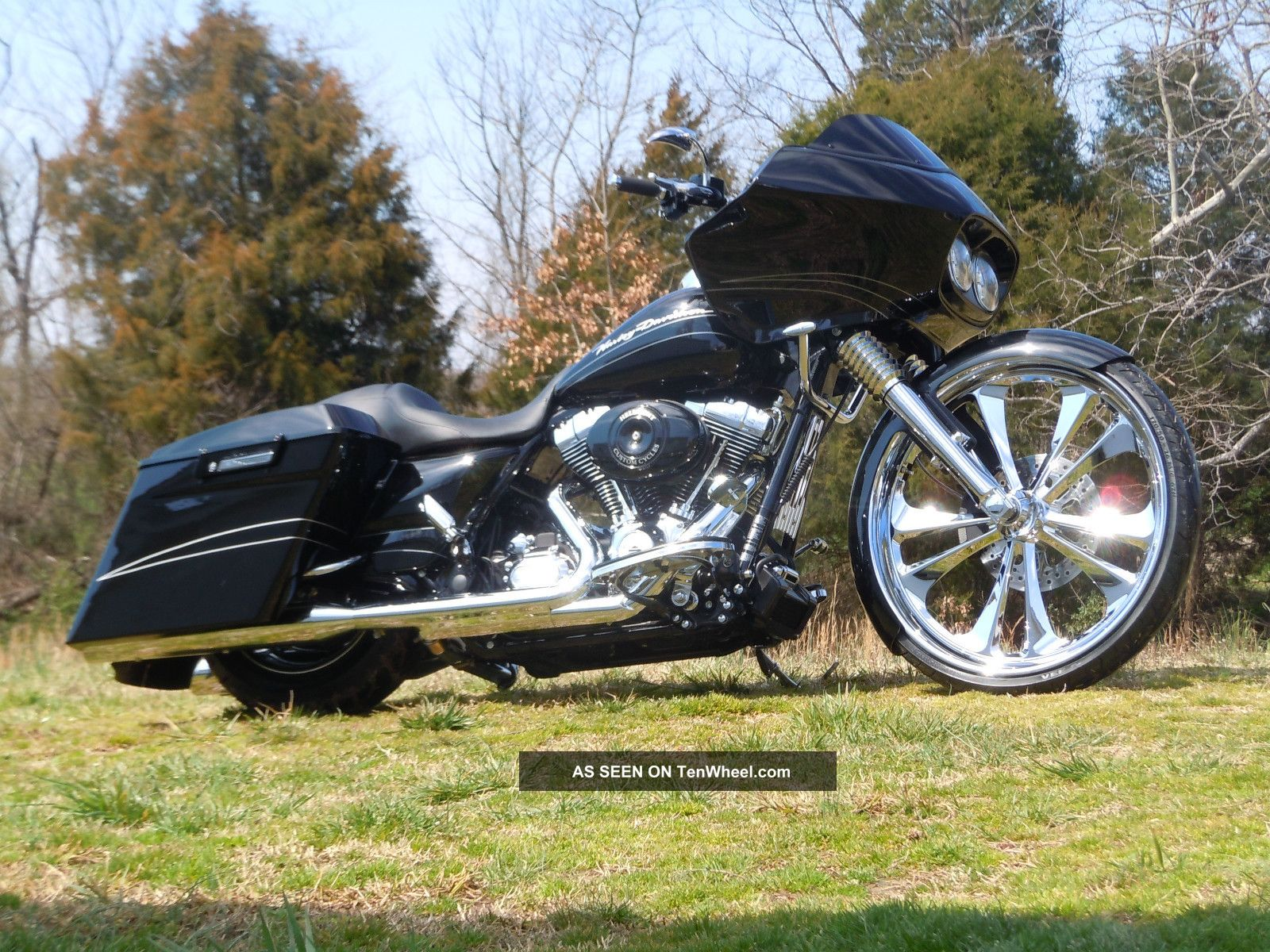 2013 Harley Davidson Road Glide Touring photo