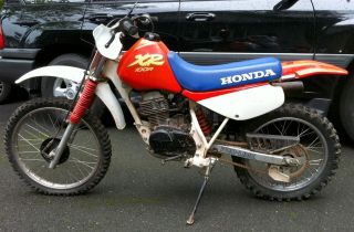 Honda Xr 100r Off Road Motorcycle.  Vintage 1988 Dirt Bike.  Needs Carb. photo