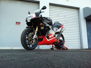 2000 Aprilia Rsv 1000 Mille R,  W / Ohlins,  Oz Wheels,  Carbon Fiber V - Twin photo