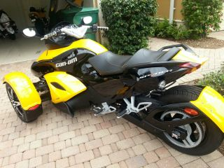 2009 Can Am Spyder Gs Loaded With Upgrades photo