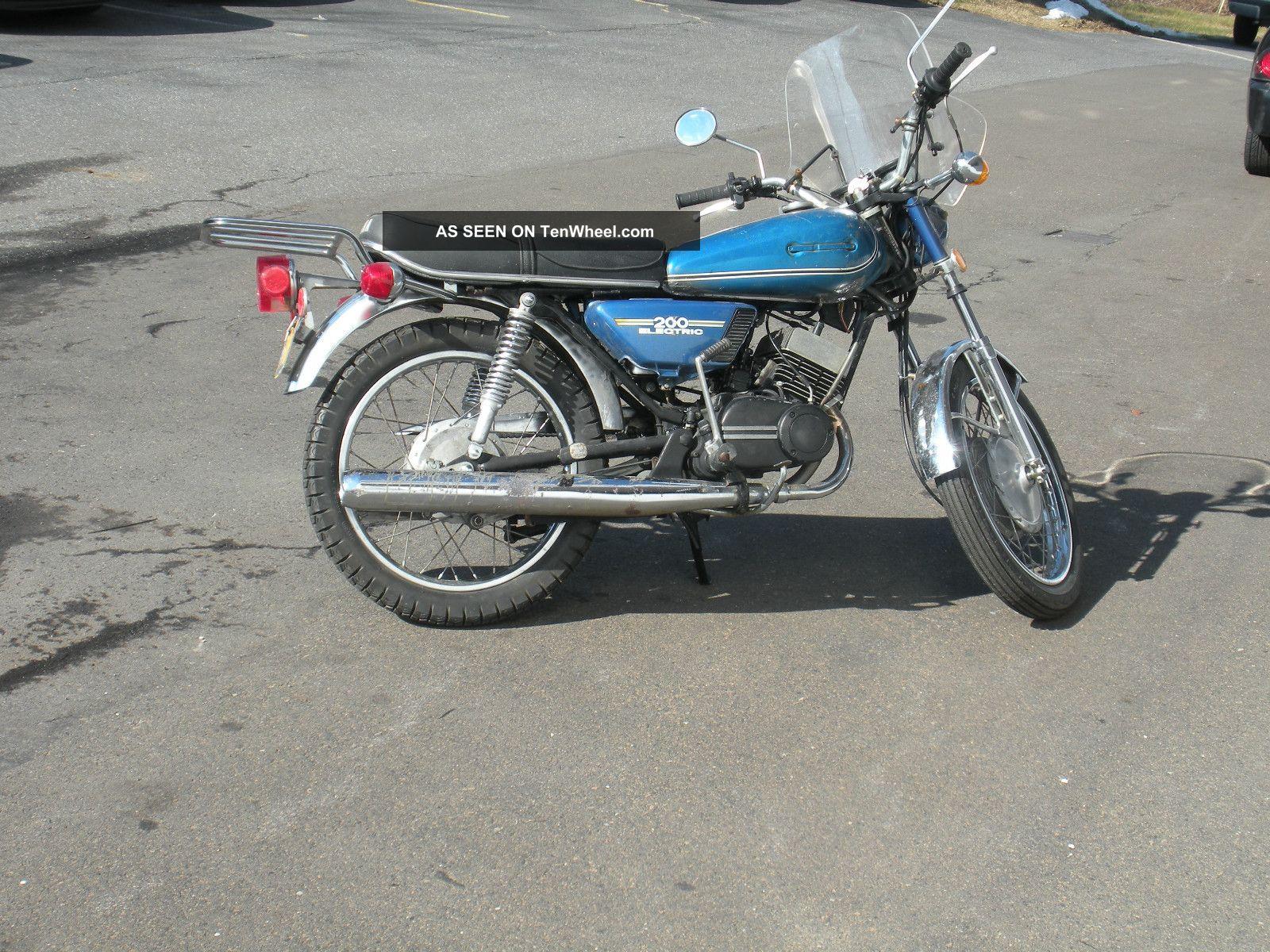 1975 Yamaha Rd200b 2 Stroke Vintage Motorcycle
