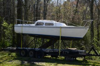 1977 Catalina 22 photo