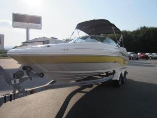 2004 Sea Ray 220 Sundeck photo