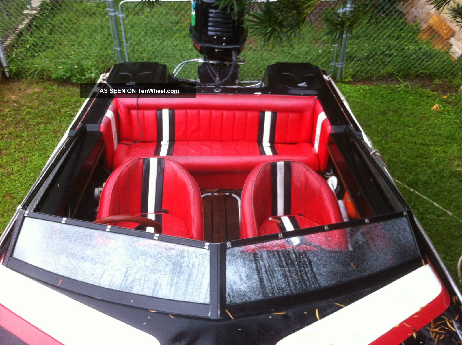 1990 Checkmate Starflite Ski / Wakeboarding Boats photo