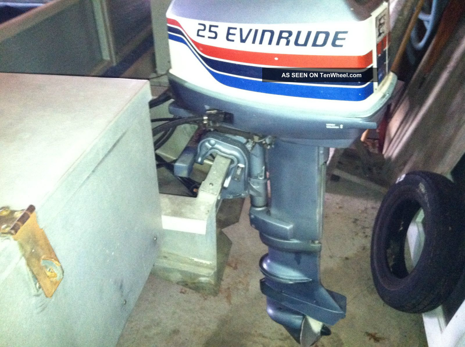 Evinrude 25 Hp >> 1977 Sylvan Pontoon Boat Evinrude 25 Hp Motor
