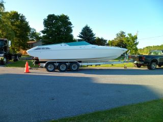 1995 Wellcraft 29 Scarab photo