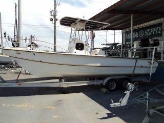 2000 Twin Vee 26ft Center Console photo