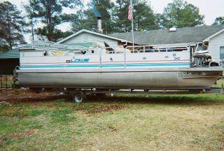 1996 Lowe 245 photo