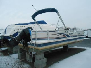 2002 Hurricane Fun Deck 226re photo