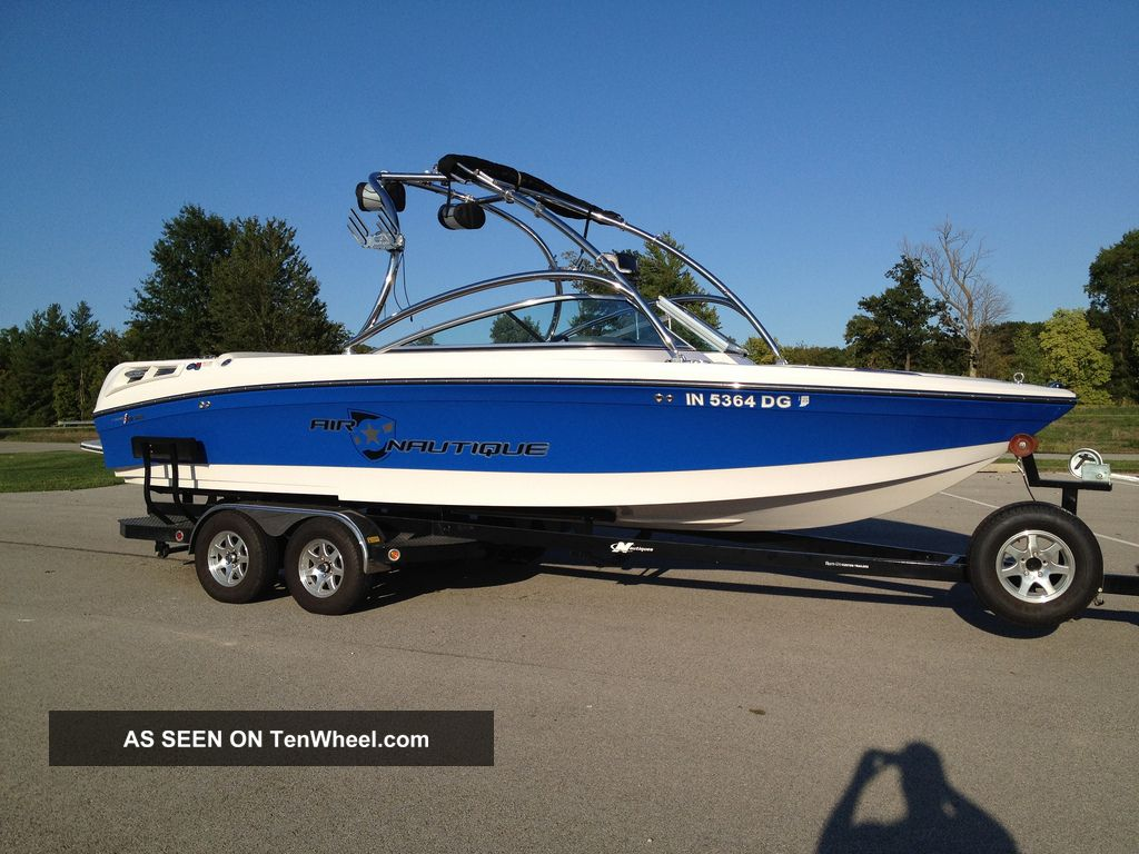 2008 nautique 230 236 for Ecksofa 230 x 230