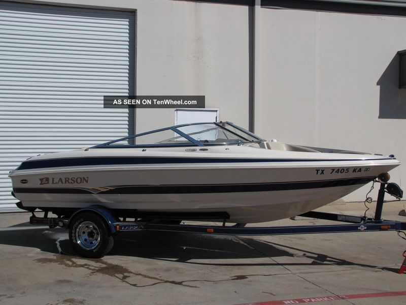 2004 Larson 190 Lxi Runabouts photo