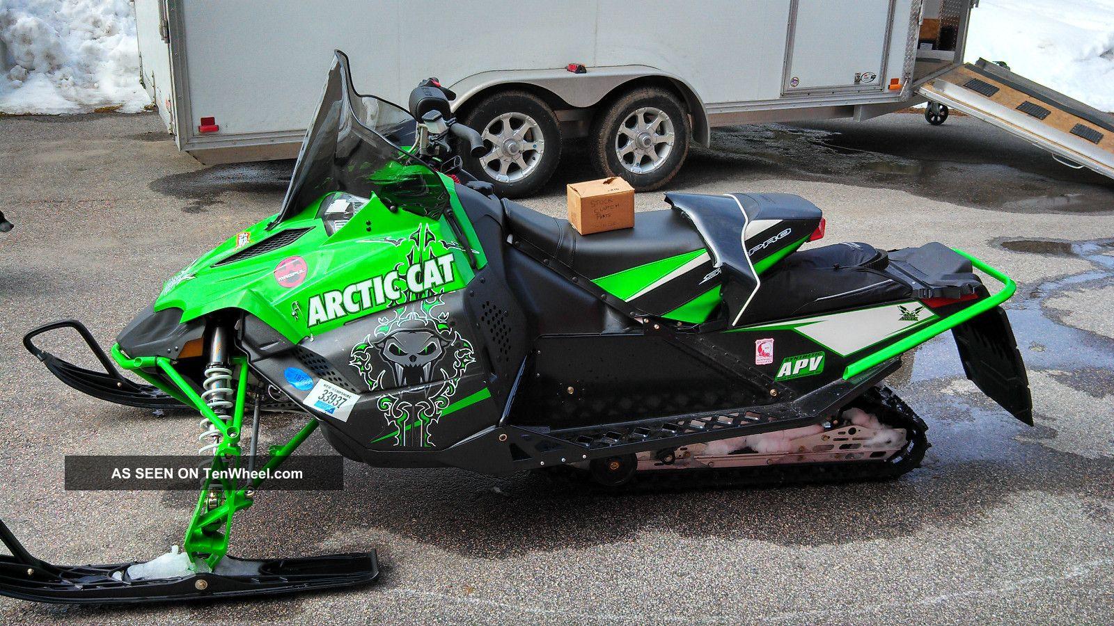 Arctic Cat Sno Pro  Specs