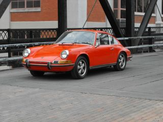 1969 Porsche 911s Air Conditioned. photo